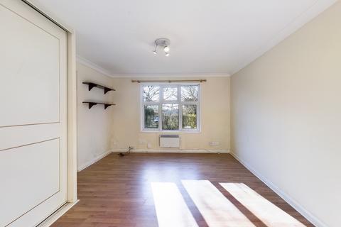 Studio to rent - Southgate, Crawley