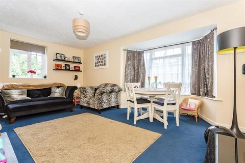 2 bedroom apartment to rent - High Street