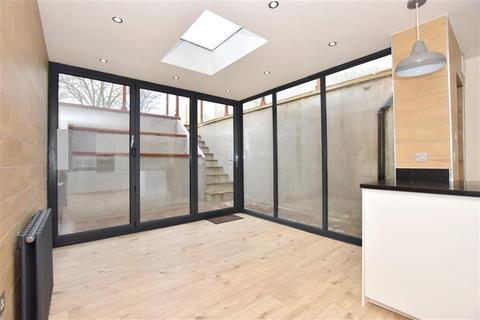 4 bedroom semi-detached house for sale - Bower Street, Maidstone, Kent