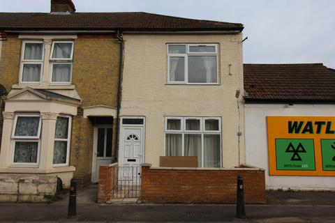 1 bedroom house share to rent - Canterbury Street, Gillingham, Kent, me7