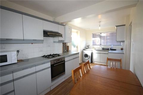 4 bedroom house to rent - Dunmore, Guildford, Surrey, GU2