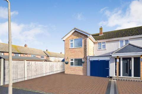 3 bedroom semi-detached house for sale - Bate-Dudley Drive, Bradwell-On-Sea, Southminster