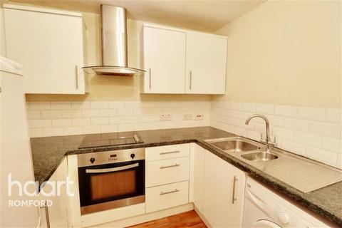 2 bedroom flat to rent - Rushdon Close - Romford - RM1