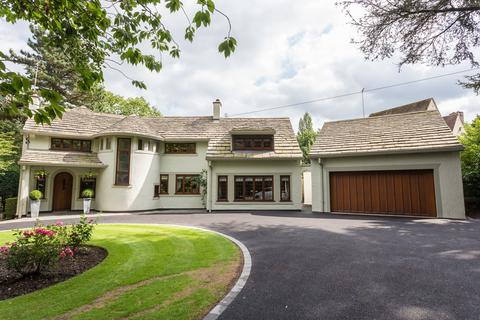 5 bedroom detached house to rent - Brooks Drive, Hale Barns, Cheshire