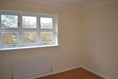 2 bedroom terraced house to rent - Chelveston Crescent, Southampton SO16