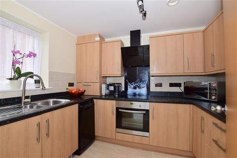 2 bedroom end of terrace house for sale - Adams Drive, Ashford, Kent