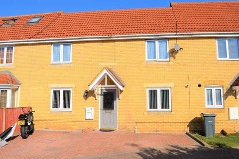 4 bedroom terraced house for sale - Large Family Home on Morgan Close, Leagrave