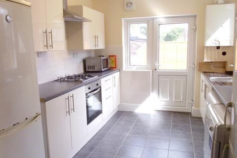 6 bedroom terraced house to rent - 20 Walton Road, Sheffield S11 8RE