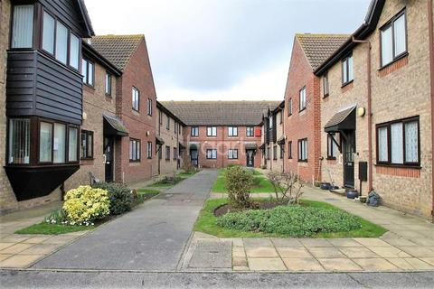 1 bedroom flat for sale - East Haven, Old Road, Clacton-on-Sea