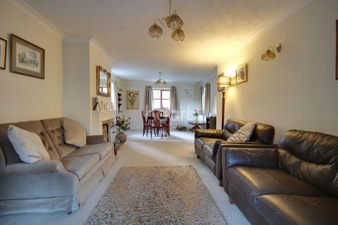2 bedroom bungalow for sale - Barn Corner, Collingtree, Northampton