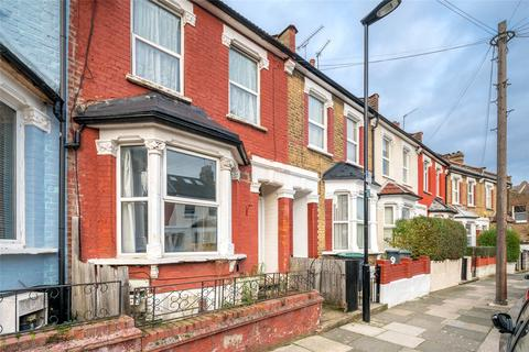 3 bedroom terraced house for sale - Alton Road, London, N17