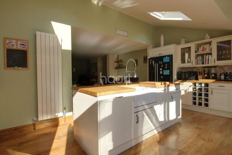 4 bedroom detached house for sale - Wood Street, Chelmsford