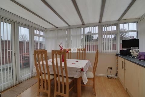 3 bedroom bungalow for sale - Bayly Road, Dartford, DA1