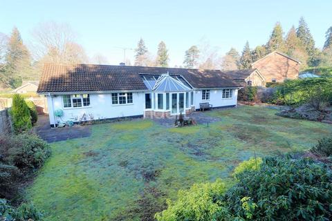 3 bedroom bungalow for sale - The Moorings, Grayshott, Hindhead, Surrey