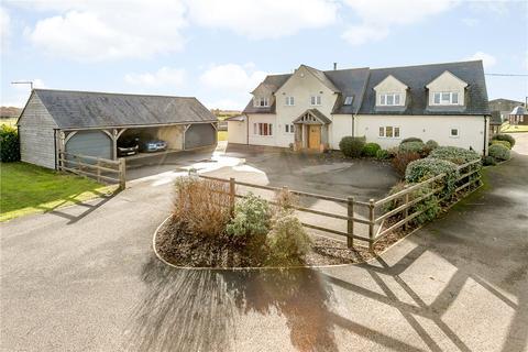 Equestrian facility for sale - Brize Norton, Carterton, OX18