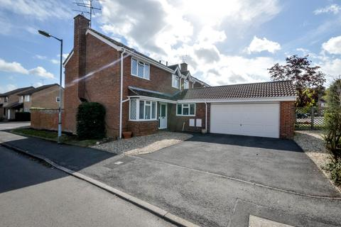 4 bedroom detached house for sale - Audley Close, Grange Park, Swindon, SN5