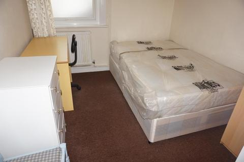 4 bedroom end of terrace house to rent - Coombe Road, BRIGHTON BN2