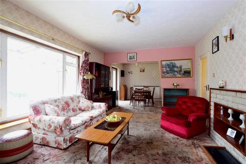 2 bedroom detached bungalow for sale - Frimley Close, Woodingdean, Brighton, East Sussex