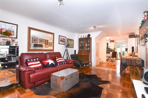 3 bedroom townhouse for sale - Appleby Close, Hillingdon, Middlesex, UB8