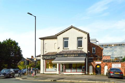 3 bedroom end of terrace house for sale - Manchester Road, Altrincham, Greater Manchester, WA14