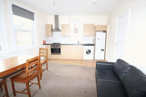 2 bedroom apartment to rent - Falmer Road, London, N15