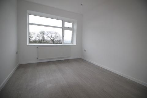 1 bedroom flat to rent - Cross Court, Plomer Green Avenue, High Wycombe, HP13