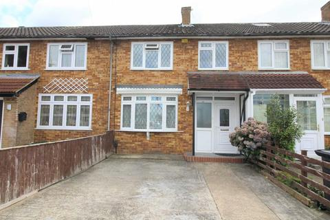 3 bedroom terraced house to rent - Bromycroft Road, Slough