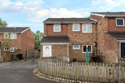 2 bedroom maisonette to rent - Dalbeg Close, Pendeford, Wolverhampton