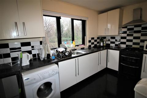 3 bedroom townhouse to rent - **£85pppw** Lenton Manor, Lenton, NG7 2FP