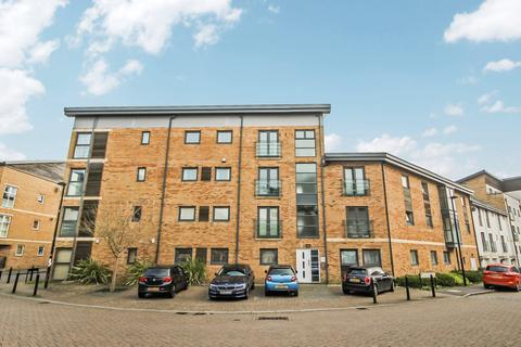 3 bedroom apartment to rent - Pasteur Drive, Old Town, Swindon