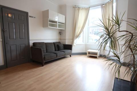 1 bedroom ground floor flat to rent - Oakfield Road,