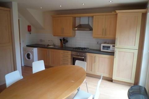 6 bedroom terraced house to rent - Hungerton Street, Lenton, NG7 1HL