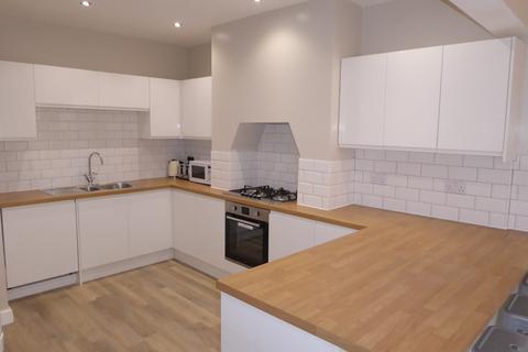 4 bedroom house to rent - Marlborough Road, Beeston, NG9 2HG
