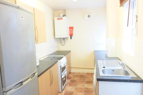 2 bedroom terraced house to rent - Queens Road, Beeston, NG9 2FE