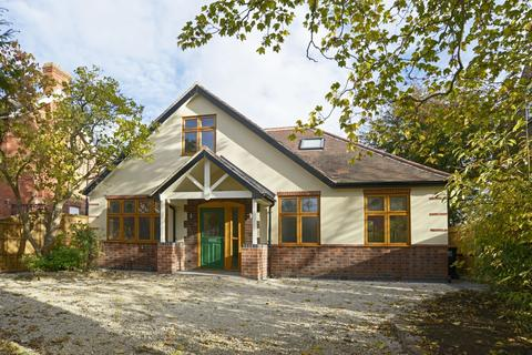 4 bedroom detached house for sale - Grove Avenue, Chilwell, NG9 4DX