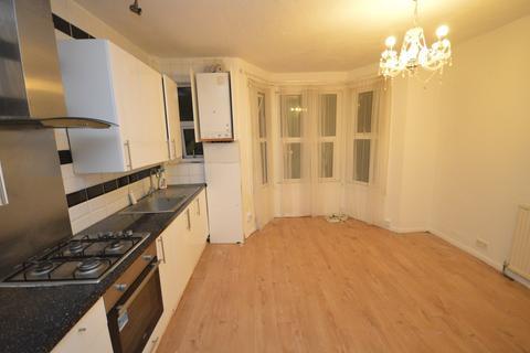 1 bedroom apartment to rent - Grosvenor Road, Ilford, Essex, IG1