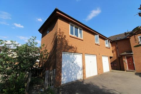 2 bedroom coach house to rent - Sheppards Close, Newport Pagnell, Buckinghamshire