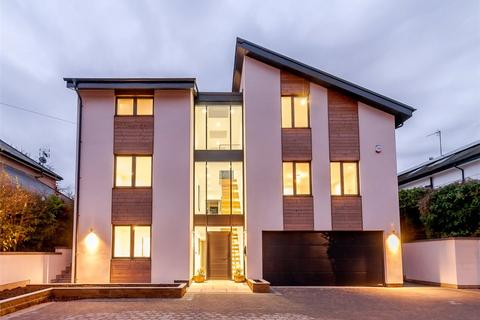 5 bedroom detached house for sale - Hornbeam Crescent, Harrogate, North Yorkshire, HG2