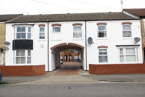 2 bedroom semi-detached house to rent - Mayfair Court, Lambert Street, Hull, East Riding of Yorkshire, HU5 2SD
