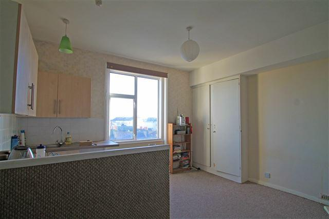 Studio room/kitchen