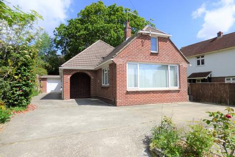 3 bedroom detached bungalow for sale - Charmouth Grove, Lower Parkstone
