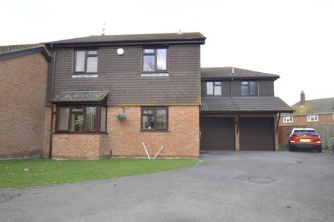 5 bedroom link detached house for sale - High Street, Lower Stoke, Rochester