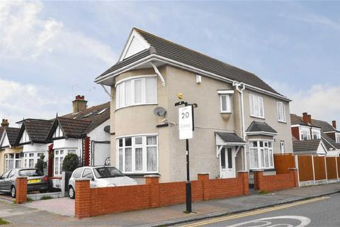 4 bedroom detached house for sale - Darlinghurst Grove, Leigh-on-sea, Essex