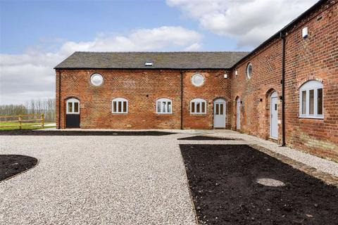 3 bedroom barn conversion for sale - Town House Barns, Crewe