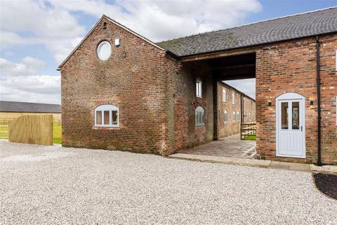 4 bedroom barn conversion for sale - Town House Barns, Crewe