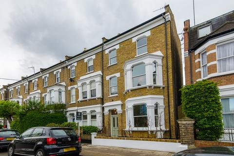 4 bedroom semi-detached house to rent - Frithville Gardens, London