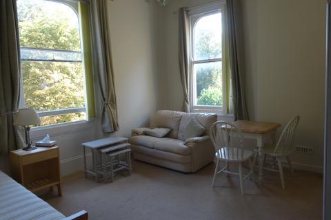 Studio to rent - 18 Irving house, Cheltenham GL52