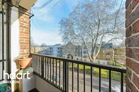 3 bedroom flat for sale - Greenleaf Close, Brixton, SW2