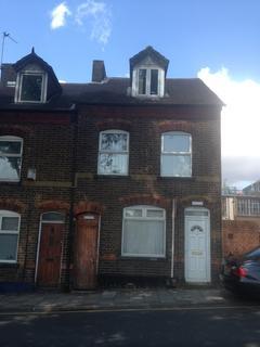 3 bedroom terraced house to rent -  Midland Road,  Luton, LU2