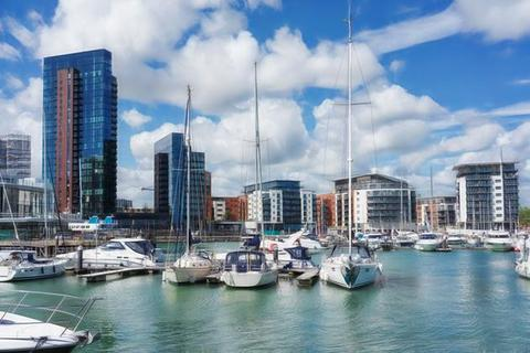 2 bedroom apartment to rent - Sirocco, Channel Way, Ocean Village, Southampton SO14